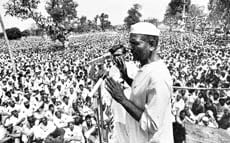 Mahendra Singh Tikait delivering a speech at farmers' protest at Shamli in 1987