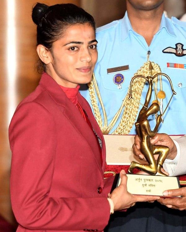 Savita Punia while receiving Arjuna Award for Hockey in 2018