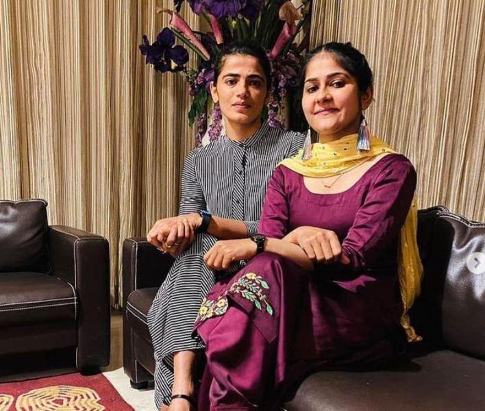 Savita Punia with her sister