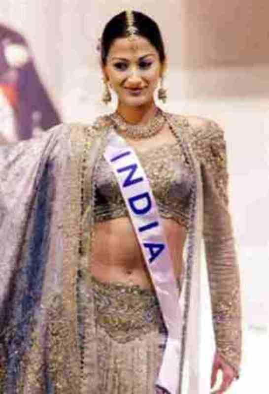 Gayatri Joshi in 2000 Miss International Competition