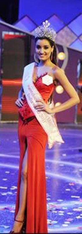 Kanishtha becomes Pantaloons Miss India