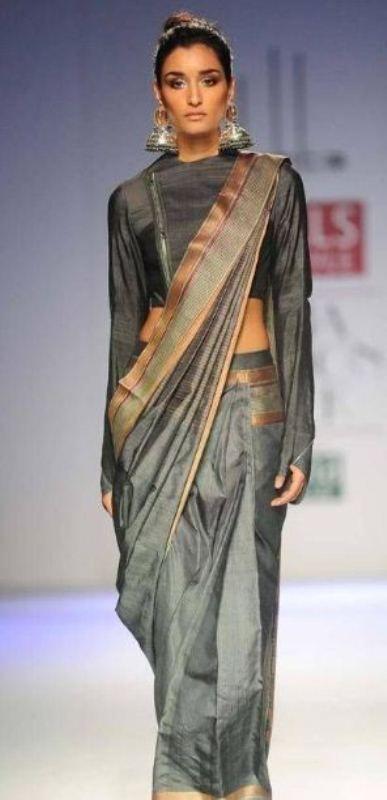 Kanishtha walking ramp for Wills India fashion week