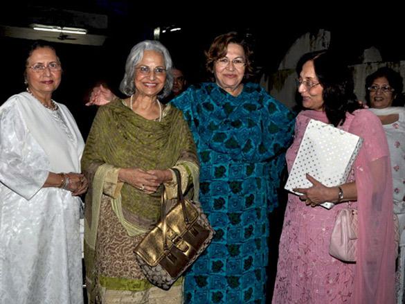 Nanda with Waheeda Rehman, Helen, and Sadhana